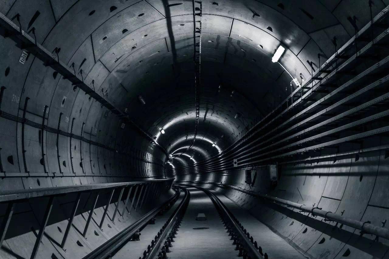 可用于双圆盾构,建立双地铁隧道,下水道,共同沟是三元盾用于地铁的